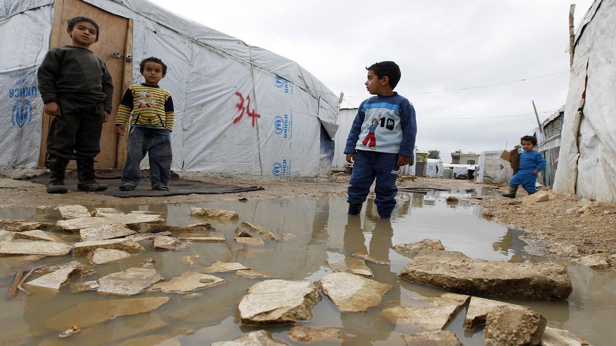 صورة عون: سنحل مشكلة اللاجئين السوريين بأنفسنا