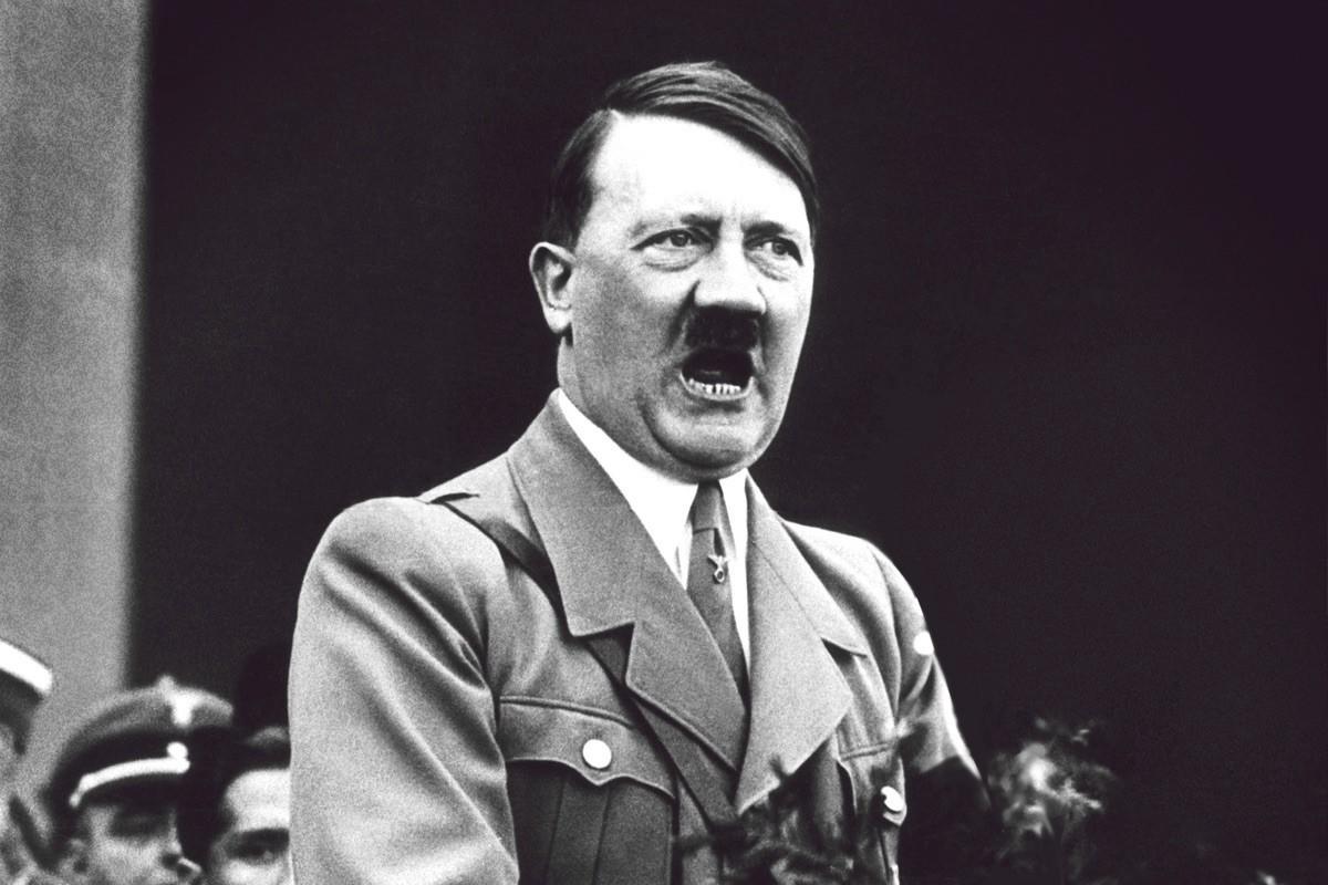 """صورة أدلة جديدة تحسم كيفية موت """"هتلر"""""""