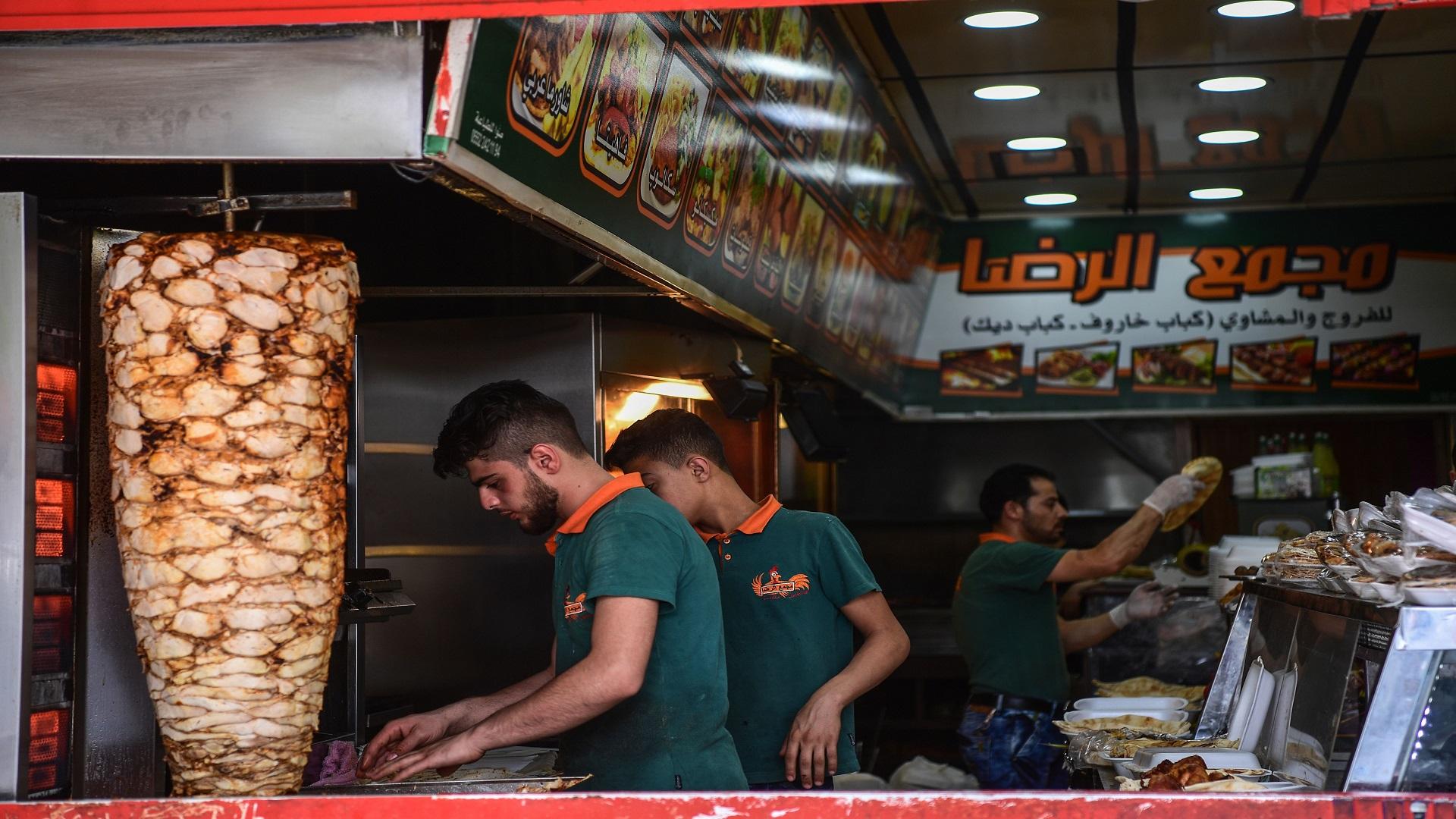 صورة السوريون بتركيا..من لاجئين لداعمين لاقتصادها!