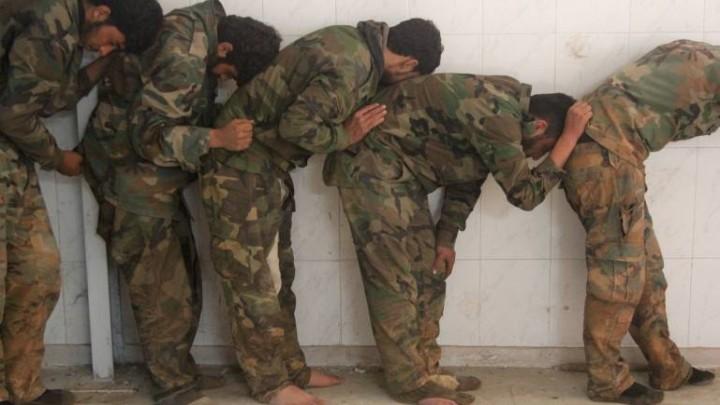 صورة أغرب عملية تبادل بسوريا: عناصر للأسد مقابل أبقار وأغنام