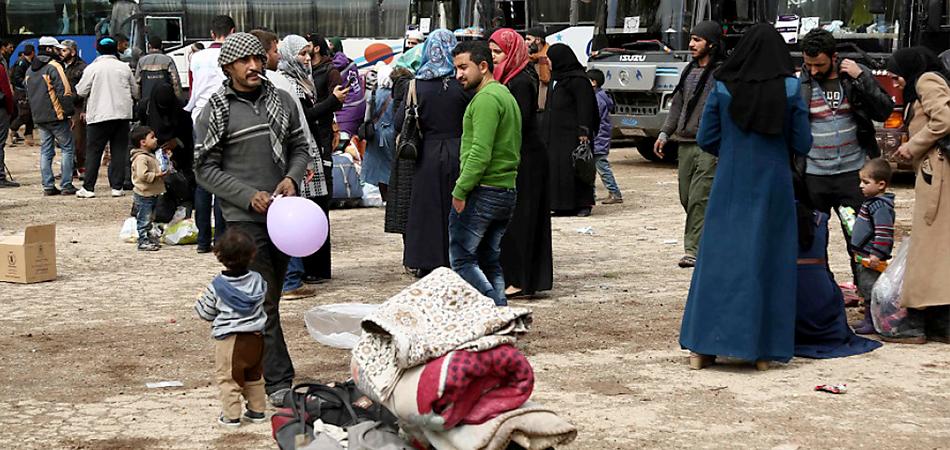 صورة تركيا تمنع مهجري وسط سوريا من دخول شمالها