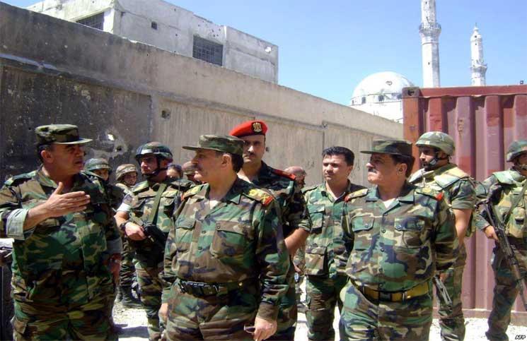 صورة 16 شخصاً يقاضون 24 مسؤولاً في النظام السوري