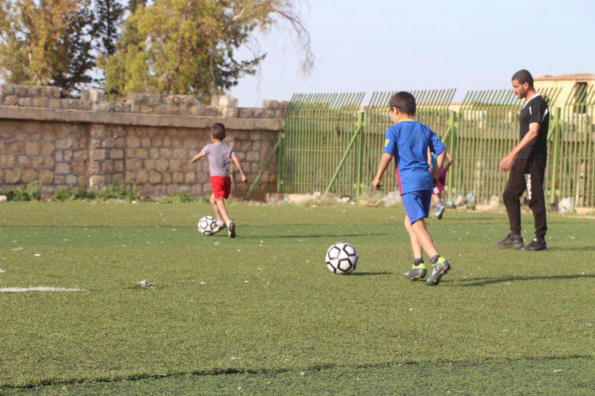 """صورة تأسيس """"أكاديمية"""" لكرة القدم في إدلب"""