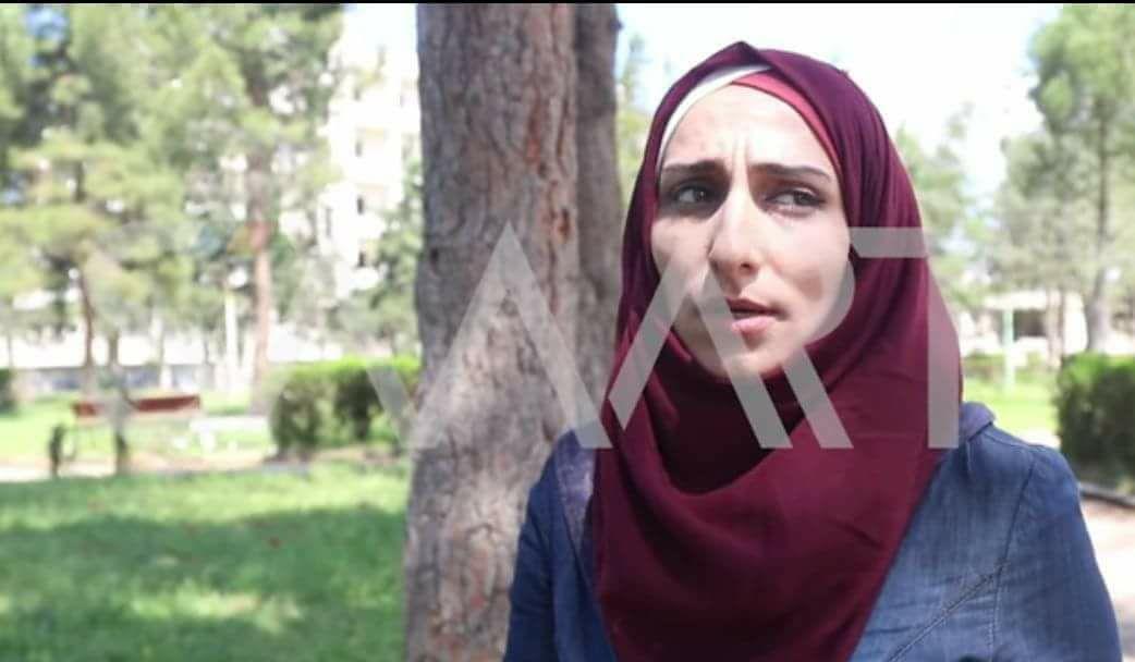 """صورة """"حكومة الإنقاذ"""" تفرج عن الطالبة فاطمة إدريس"""