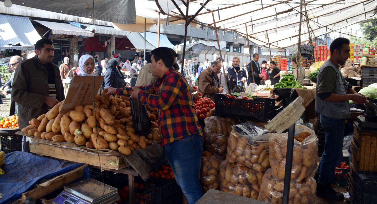 صورة افتتاح سوق استهلاكي جنوب إدلب