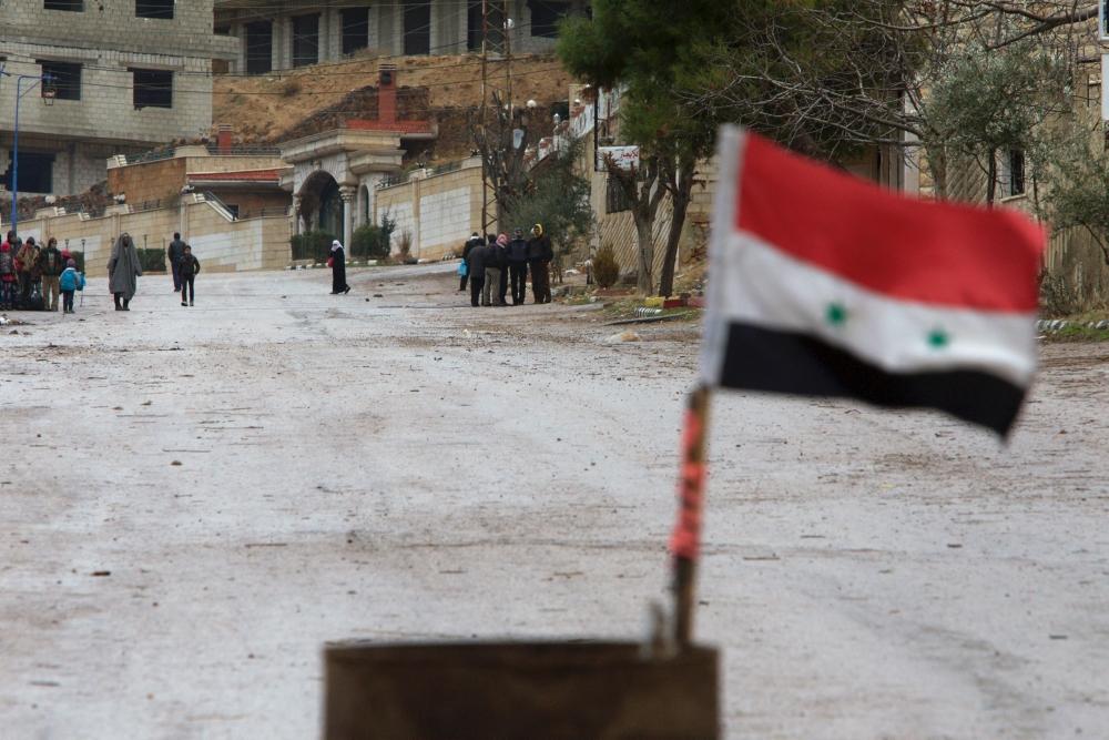 صورة قوات الأسد تحول منازلا في البوكمال لثكنات