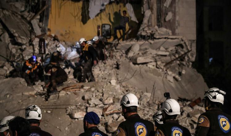صورة آلة القتل بسوريا تحصد خمسة من الخوذ البيضاء
