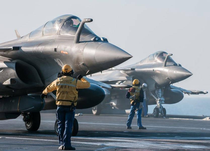 """صورة فرنسا تهدد بضرب """"الأسد"""" مجدداً"""