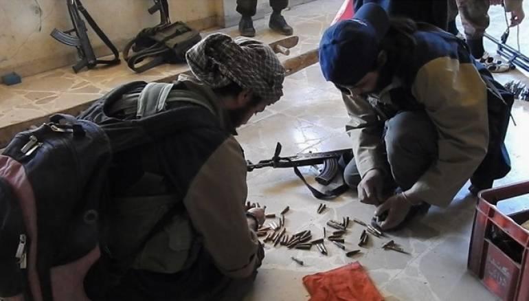 """صورة عرابة خروج """"داعش"""" من جنوب دمشق تجني ملايين الدولارات"""