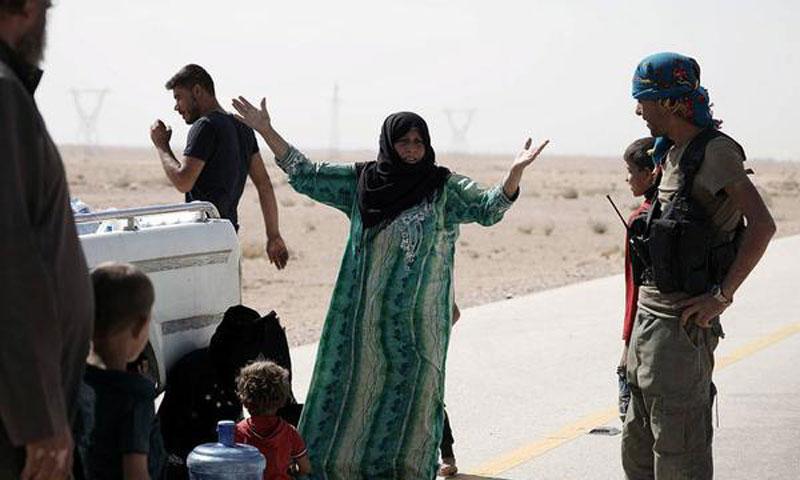 صورة دير الزور..قسد تحاصر آلاف المدنيين