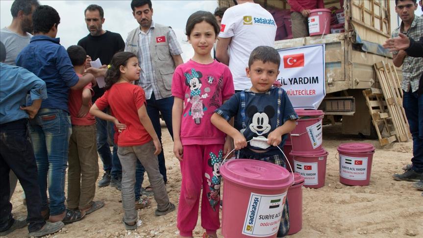 صورة مساعدات تركية لمهجري الغوطة الشرقية