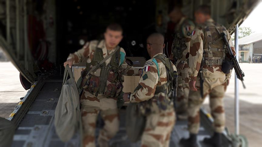 صورة بطاريات مدفعية فرنسية بسوريا..أين نشرتهم؟