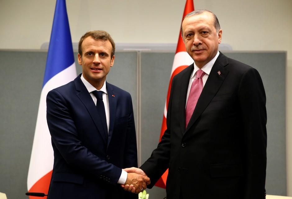 صورة انفراج في العلاقات التركية الفرنسية بعد خلافات حول سوريا