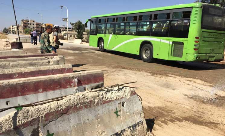 صورة 13 وفية من مهجري الغوطة في مراكز إيواء حرجلة