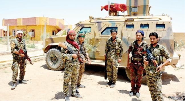 صورة مدنيون بالرقة يمنعون شرطة الإدارة الذاتية من دخول قريتهم