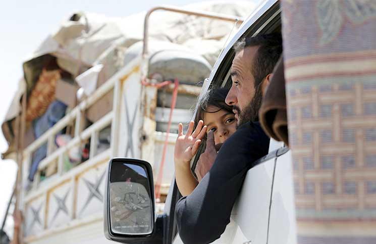 صورة لماذا بدأ تطبيق «الصفقة الكبرى» من بوابة سوريا؟