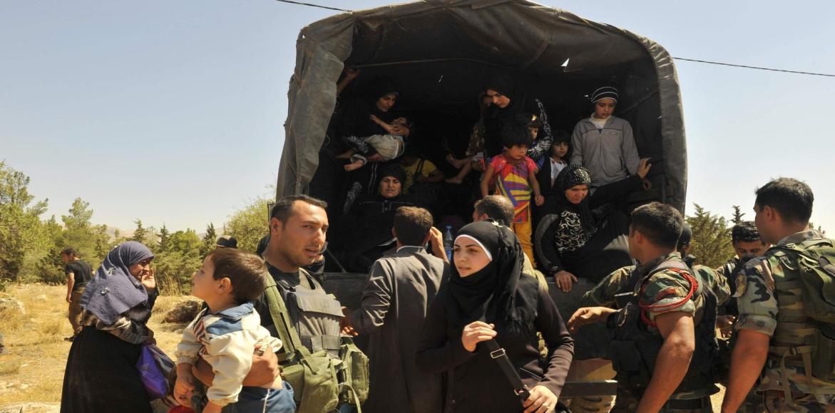 """صورة النظام يعتقل مئات الشبان بالغوطة الشرقية """"للإحتياط"""""""