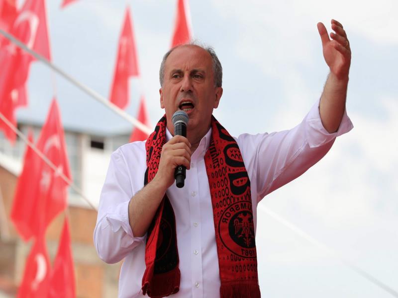 صورة منافس أردوغان: أصلي الجمعة كل يوم