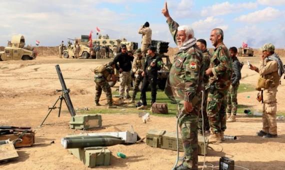 صورة دير الزور.. تنظيم الدولة يقتل قياديين للثوري الإيراني