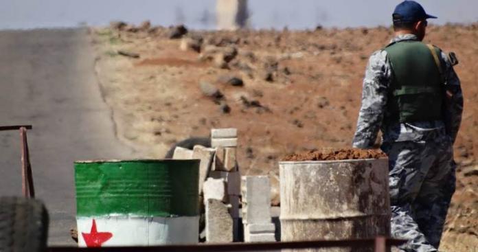 """صورة حر درعا يكافح """"المصالحة""""..وهذا ما فعله"""