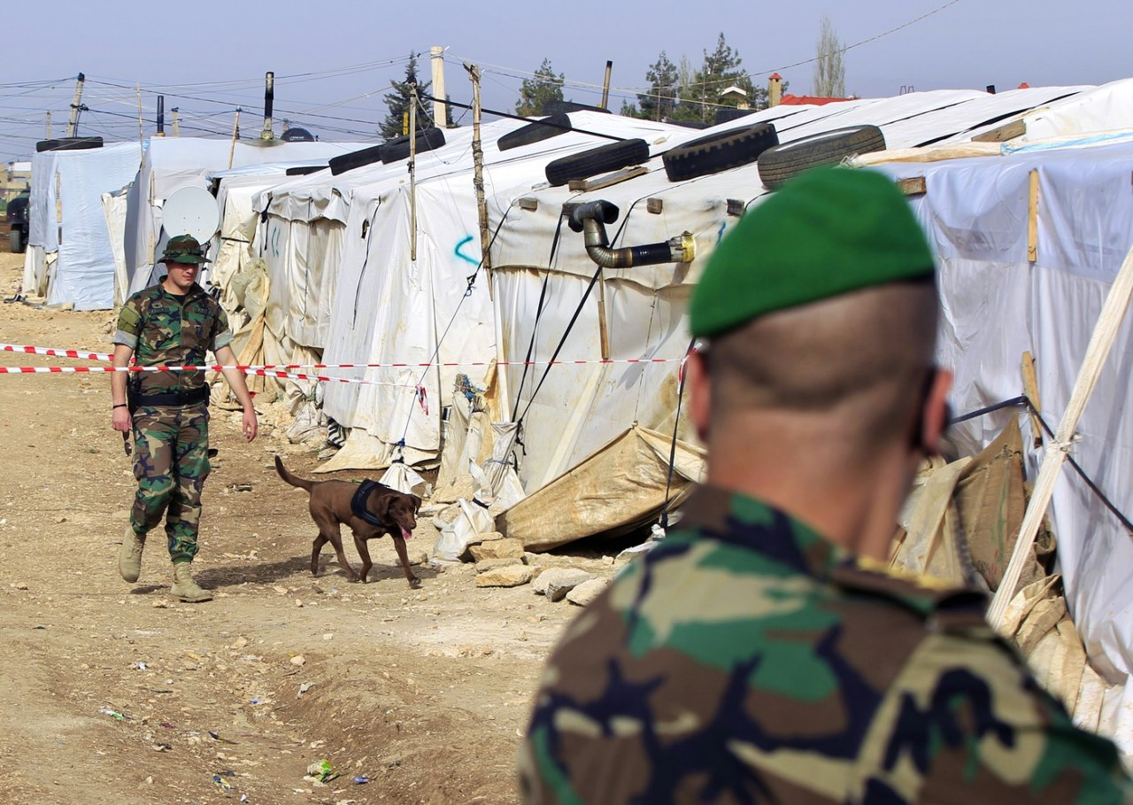 صورة لبنان قسم السوريين لفئات تمهيداً لعودتهم