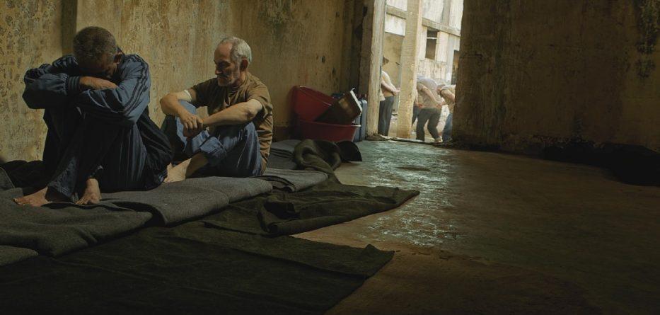 صورة النظام يسلم نفوس حماة أسماء 120 معتقلا قتلوا بسجونه
