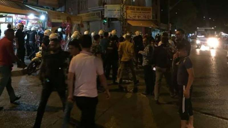 صورة احتجاجات في عنتاب التركية ضد السوريين بعد اغتصاب طفلة- فيديو