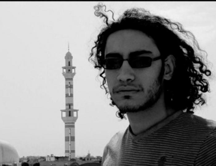 صورة الأسد يقتل تعذيبا مصورا فوتوغرافيا فلسطينيا
