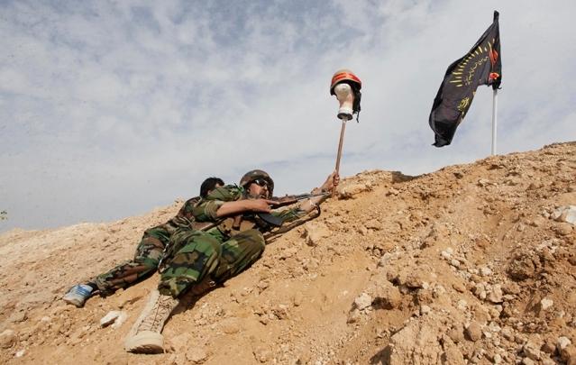 صورة كبرى ميليشيات إيران برفقة جنرالات روس بدرعا- صور