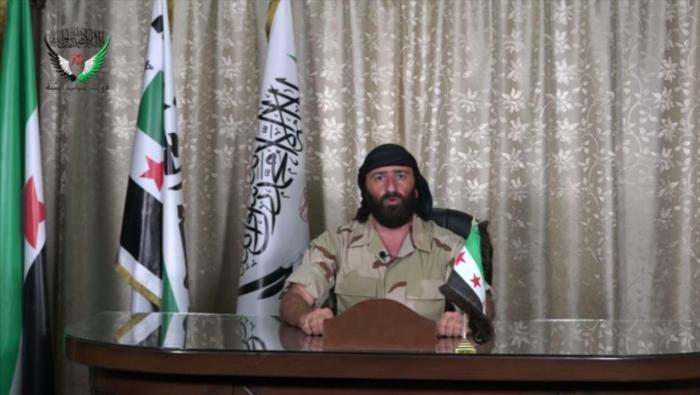 صورة أحمد العودة يبدأ بتجنيد مقاتليه ضمن جيش الأسد