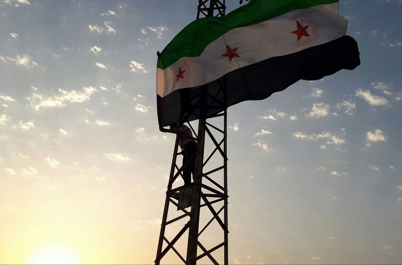 صورة عاصمة درعا وأكبر قلاعها تسقط بيد الأسد