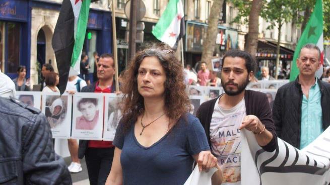 """صورة السوريون ينعون """"فنانة الثورة"""" مي سكاف"""