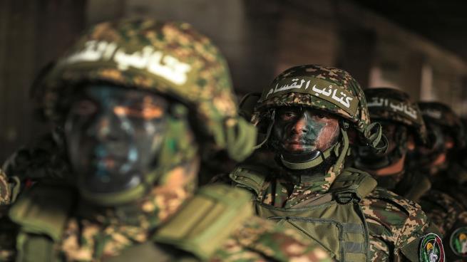 صورة كتائب القسام تتأهب في غزة وتستنفر مقاتليها