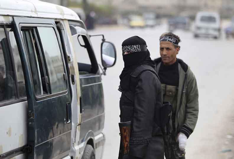 صورة أدوار خطيرة جديدة للنساء في تنظيم الدولة