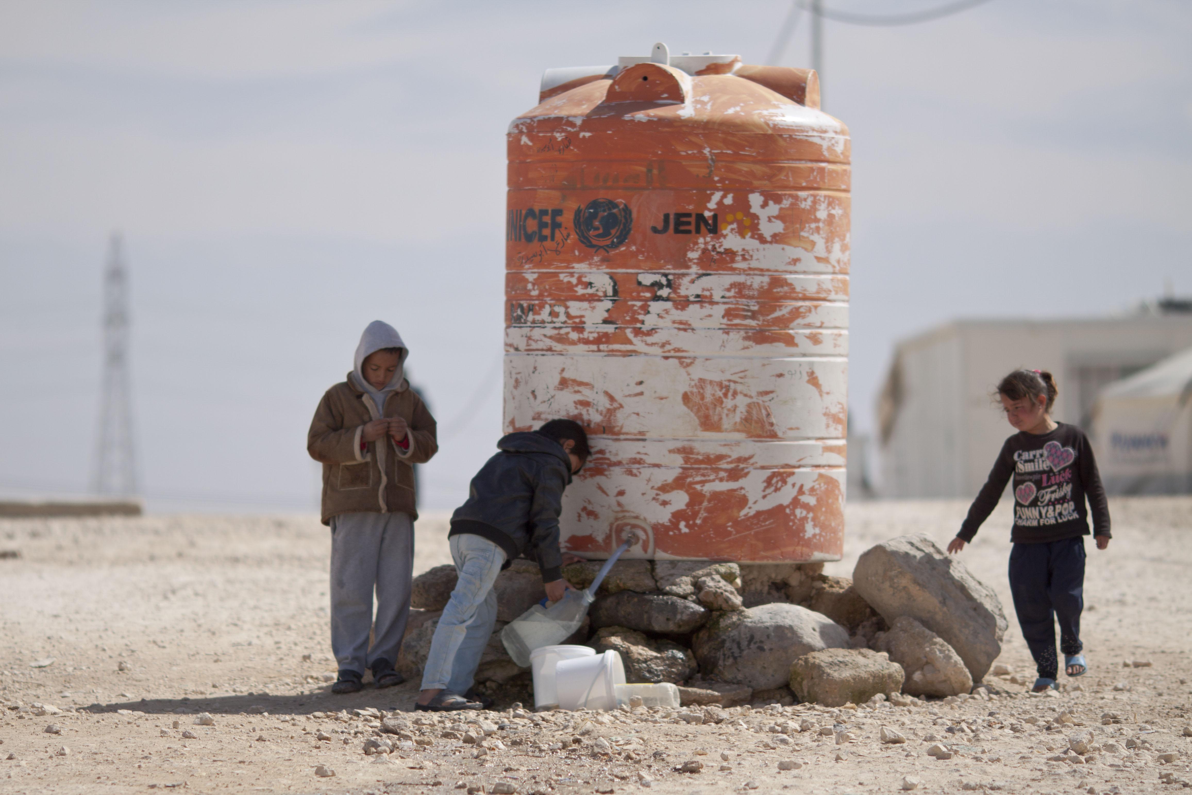 """صورة 3 عقبات تقف أمام عودة لاجئي """"الزعتري"""" إلى سوريا"""
