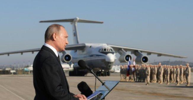 صورة القاعدة التي أعلن منها بوتين الانتصار بسوريا..تتعرض لهجمات لأربع هجمات