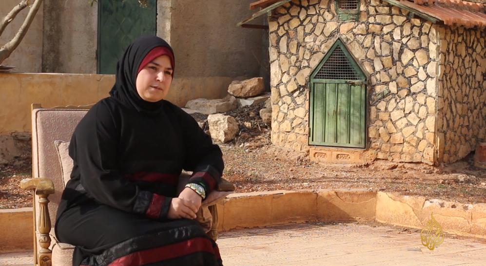 صورة شابة سورية اختارت الثورة على زوجها