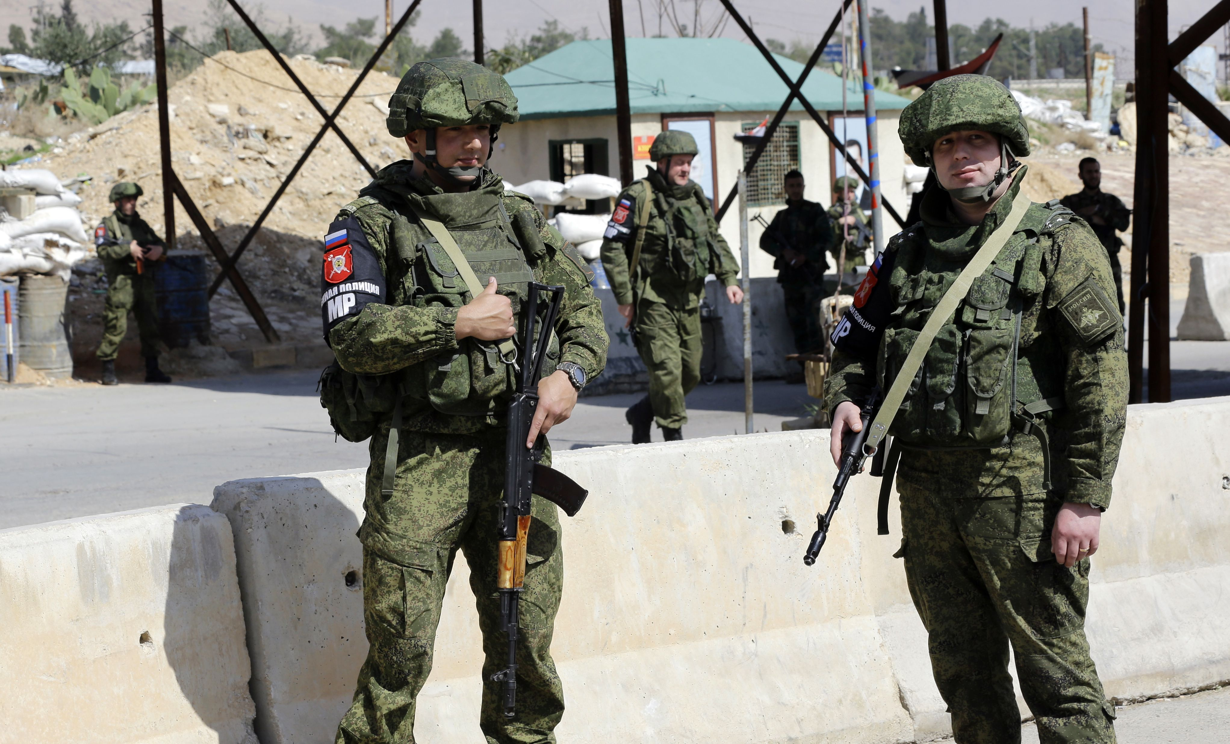 صورة بولتون: روسيا عالقة في سوريا
