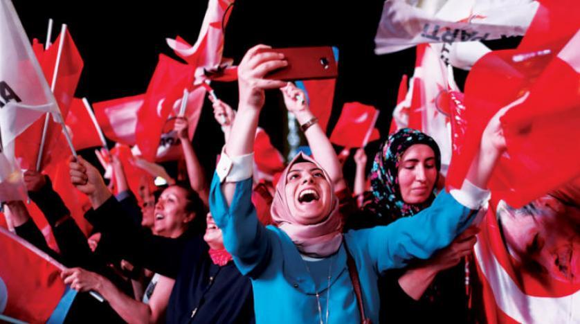 """صورة أردوغان: عدد النساء الأعضاء في """"العدالة والتنمية"""" 4 ملايين و600 ألف"""
