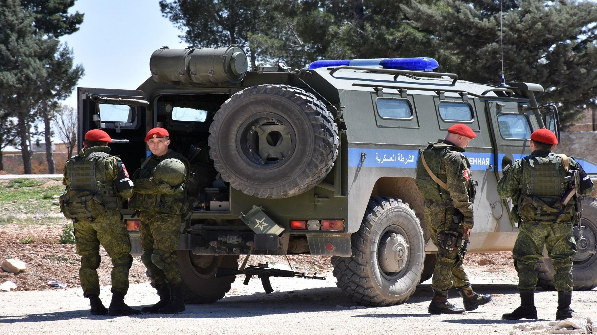 صورة وفد عسكري روسي في السويداء..ماذا يريد؟