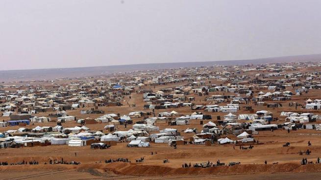 """صورة الأسد يتبع سياسة العقاب الجماعي لمهجري مخيم """"الركبان"""""""