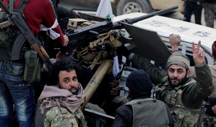 صورة المعارضة تعتقل 45 شخصا بتهمة التخابر مع قوات الأسد
