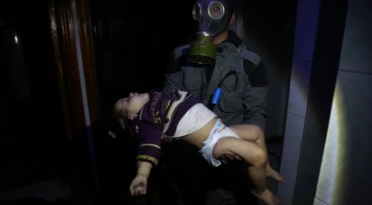 صورة كيمـاوي الغوطتيـن لتمكـين الأسـد
