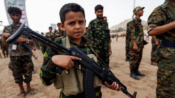 صورة منظمة: الوحدات الكردية تجنيد أطفال المخيمات