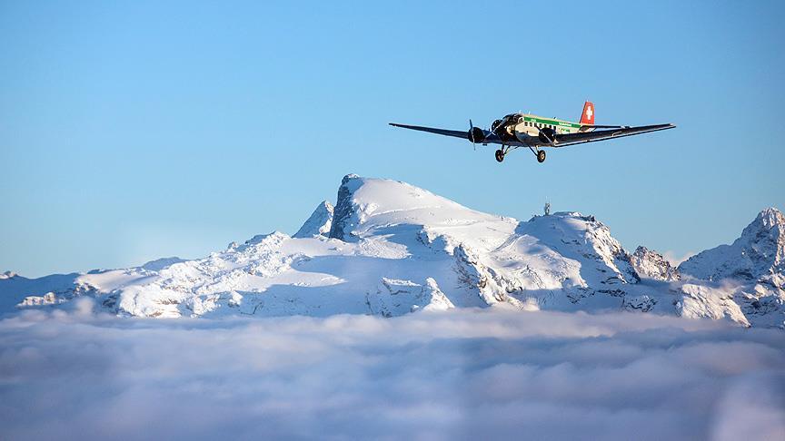 صورة سويسرا تعلن مصرع 20 بتحطم المروحية في جبال الألب