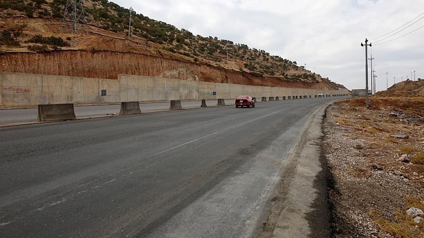 صورة معبر حدودي جديد بين تركيا والعراق
