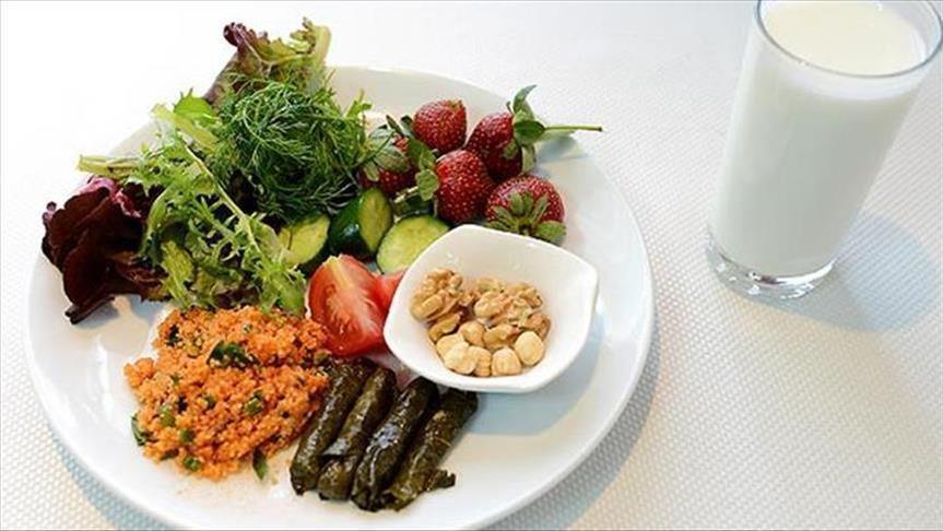 صورة أطعمة تحارب التهابات المفاصل وأخرى تزيدها