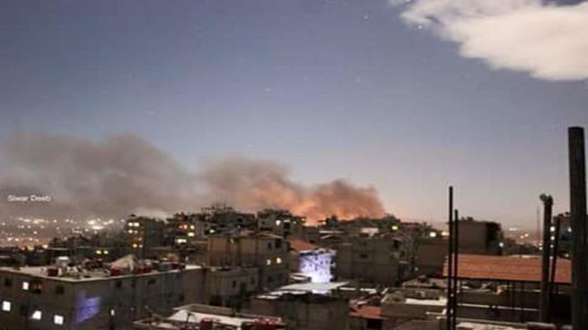 صورة انفجارات دمشق .. بين ضربات إسرائيلية وماس كهربائي