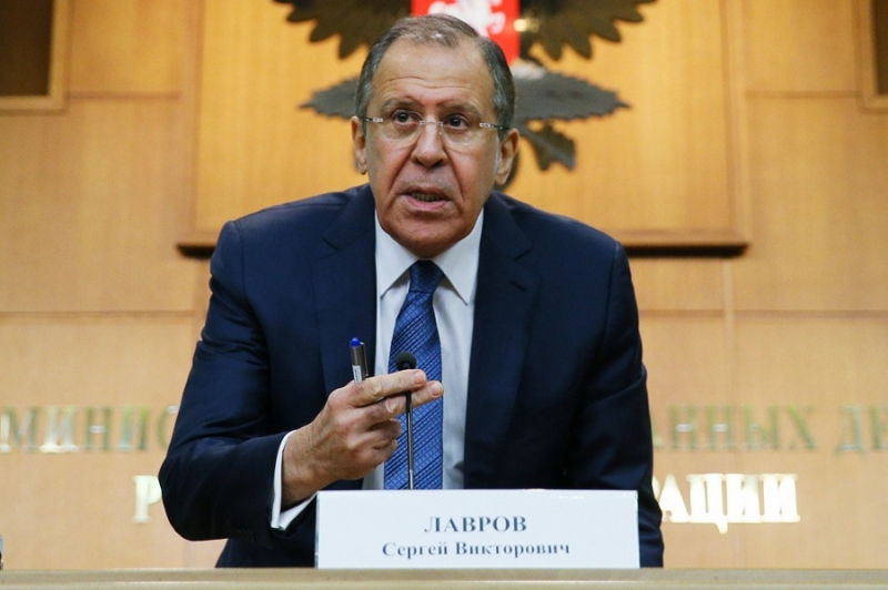 صورة لافروف: نقتل السوريين وفق القانون الإنساني