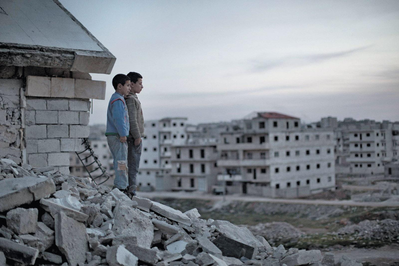 صورة تقسيم سوريا إلى ثلاثة أجزاء